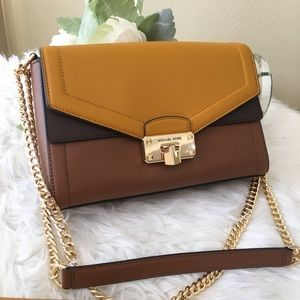 New Michael Kors kinsley shoulder / Crossbody bag